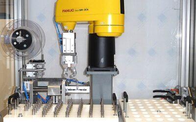 Machine automatisée d'assemblage de pipettes